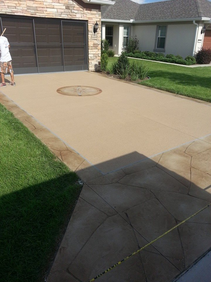 Driveway with compass centerpiece