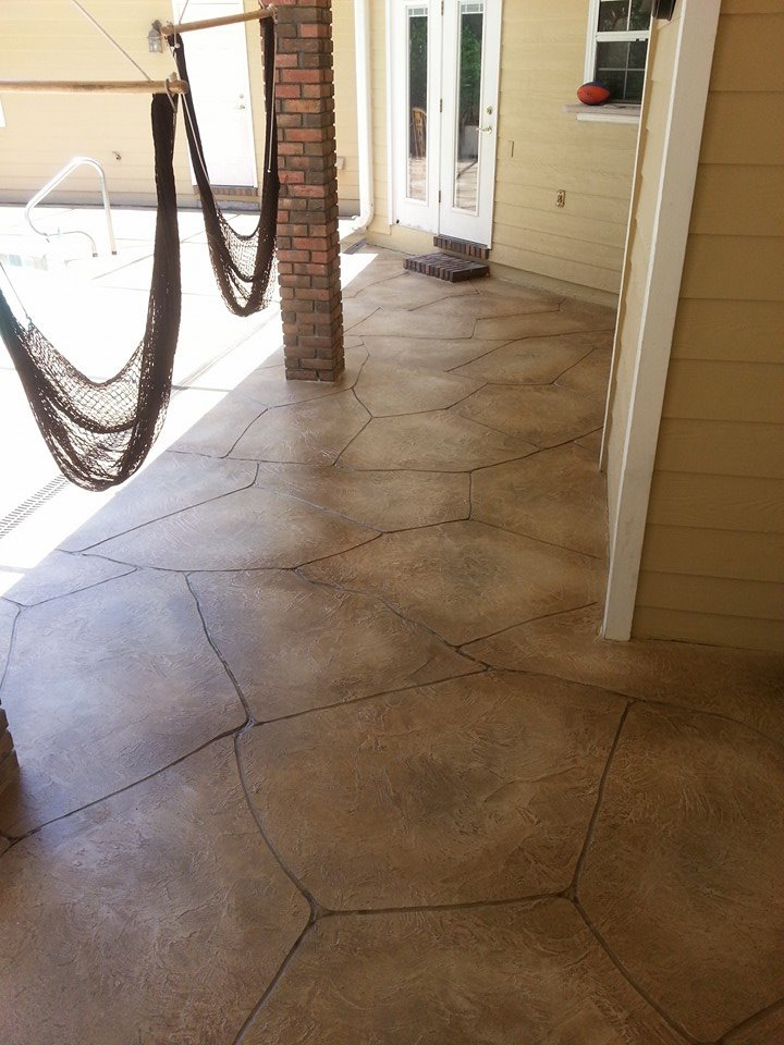flagstone pool deck with wood2